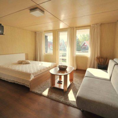 2+2 vietų apartamentai su balkonu II aukštas